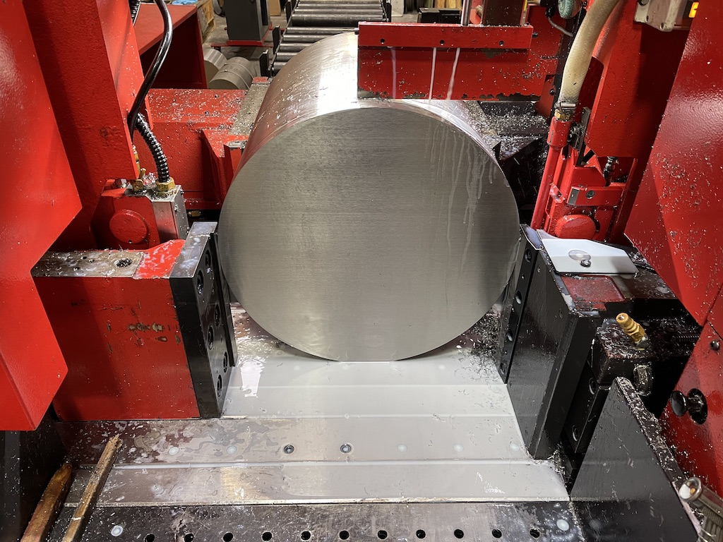 Accurate Cutting sawing stainless steel bar 530 diameter