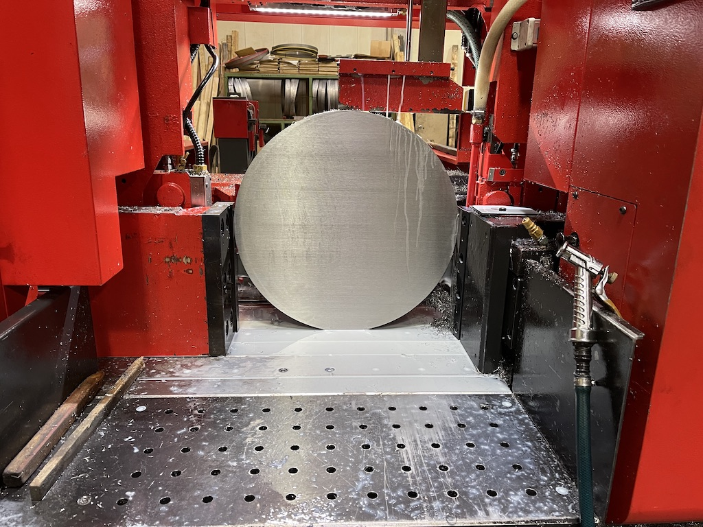 Accurate Cutting sawing stainless steel close tolerance